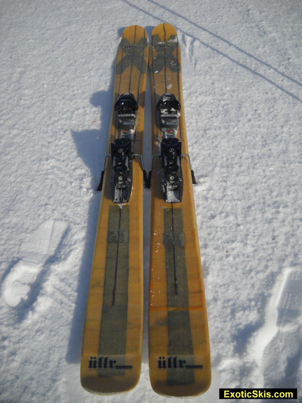 Custom ski review ullr skis early taper resort freeride for Ski designhotel